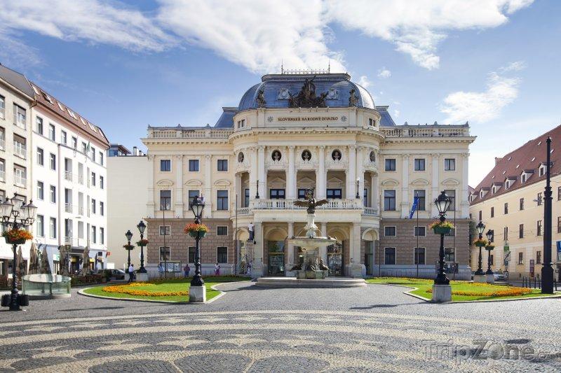 Fotka, Foto Národní divadlo v Bratislavě (Slovensko)