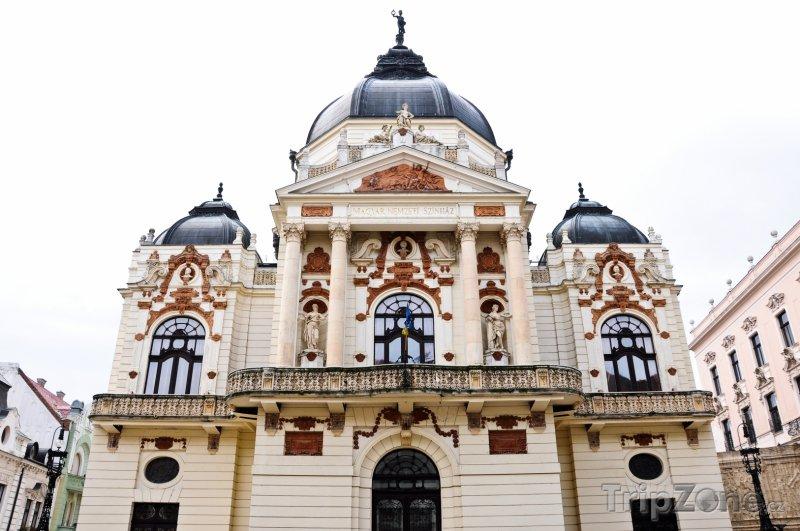 Fotka, Foto Národní divadlo ve městě Pécs (Maďarsko)