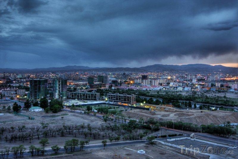 Fotka, Foto Noční Ulánbátar (Mongolsko)