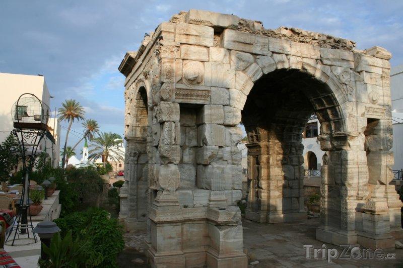 Fotka, Foto Oblouk Marcuse Aureliuse v Tripolisu (Libye)
