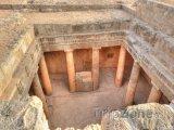 Pafos, podzemní sloupy v Královských hrobkách