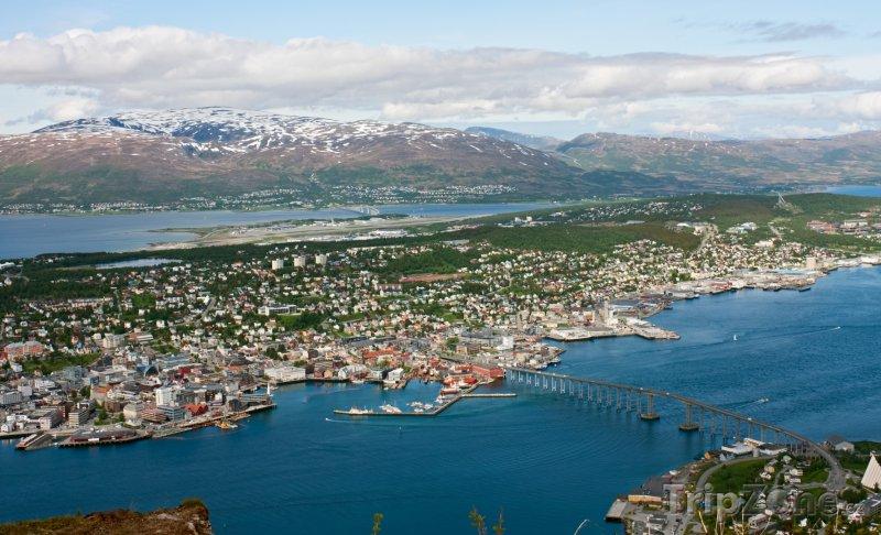 Fotka, Foto Panorama města Tromso (Norsko)