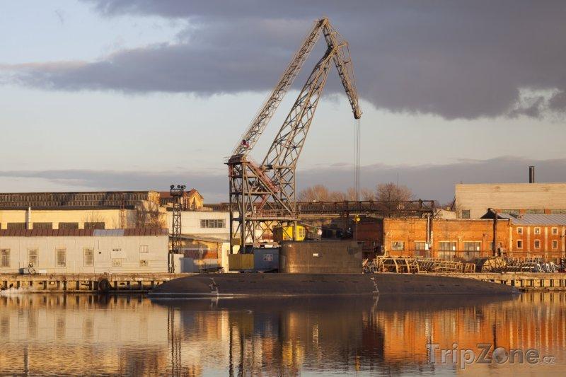 Fotka, Foto Petrohrad, ponorka v přístavu (Rusko)