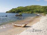 Pláž v Makuzi Bay