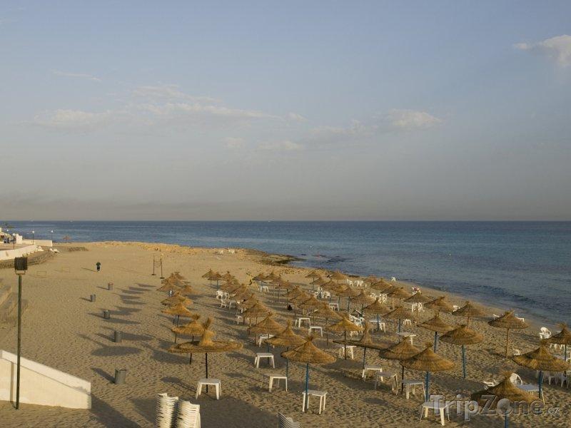 Fotka, Foto Pláž ve městě Janzur (Libye)