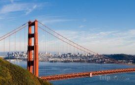 Pohled na město přes Golden Gate Bridge