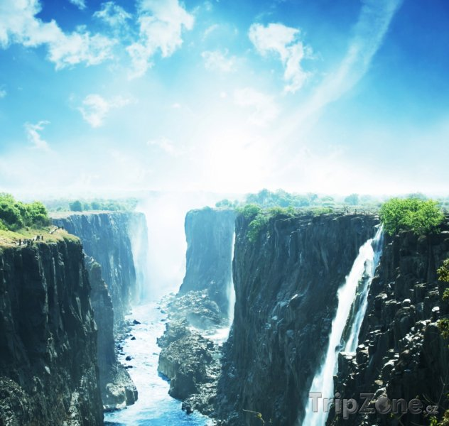 Fotka, Foto Pohled na Viktoriiny vodopády (Zambie)