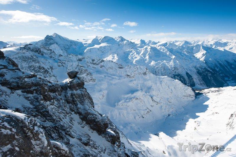 Fotka, Foto Pohled z hory Titlis na Urnské Alpy (Švýcarsko)