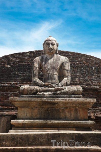 Fotka, Foto Polonanaruwa, socha Buddhy (Srí Lanka)