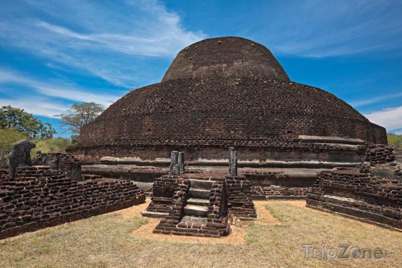 Fotka, Foto Polonnaruwa, stúpa Pabula Vihara (Srí Lanka)