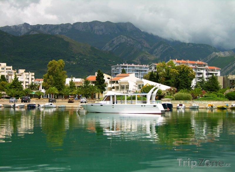 Fotka, Foto Přístav ve městě Bar (Černá Hora)