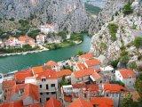 Řeka Cetina ve městě Omiš