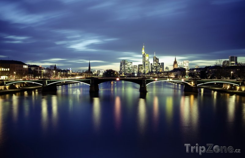 Fotka, Foto Řeka Mohan v noci (Frankfurt, Německo)