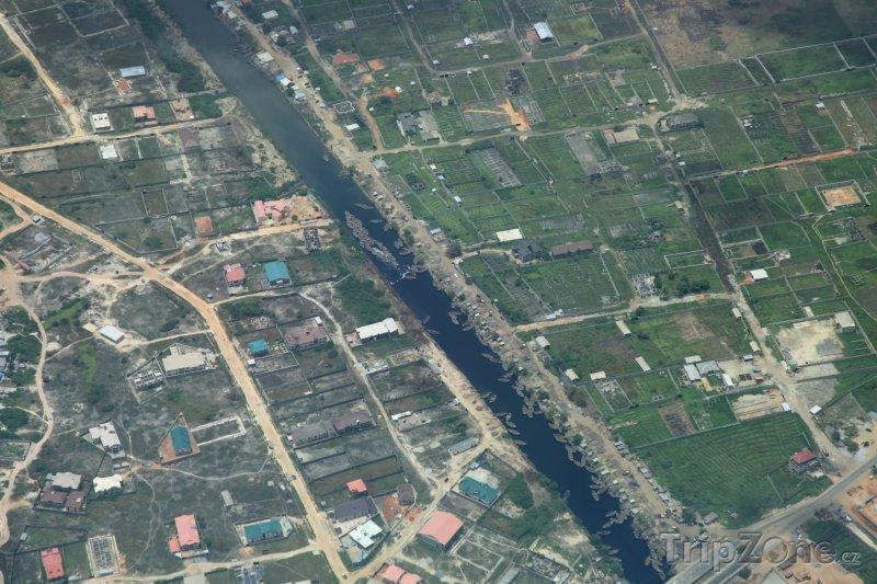 Fotka, Foto Řeka ve městě Lagos (Nigérie)