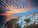 Santorini, západ slunce nad vesnicí Oia