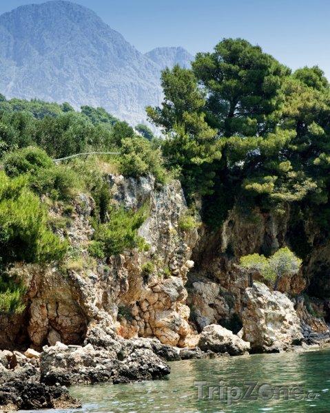 Fotka, Foto Skála na pobřeží u města Tučepi (Makarská riviéra, Chorvatsko)