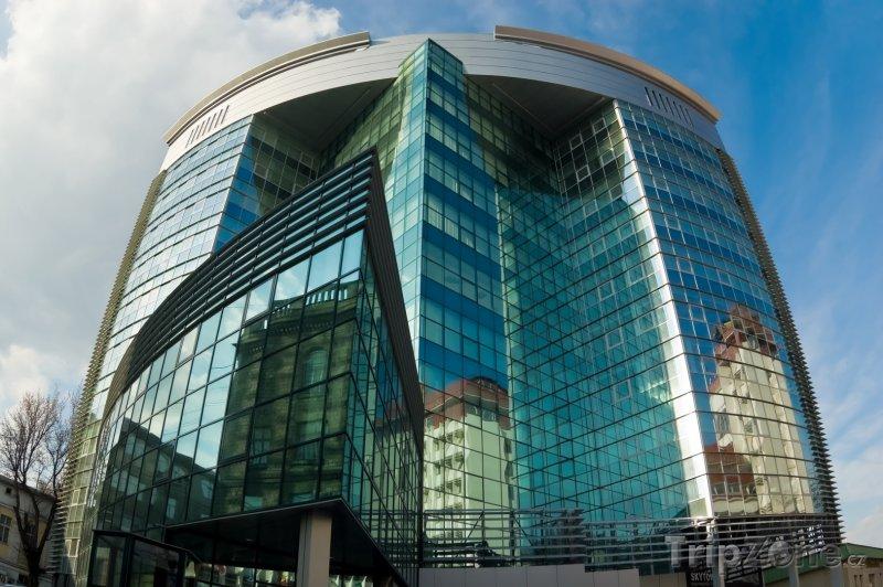 Fotka, Foto Sky Tower, moderní kancelářská budova v Kišiněvu (Moldavsko)