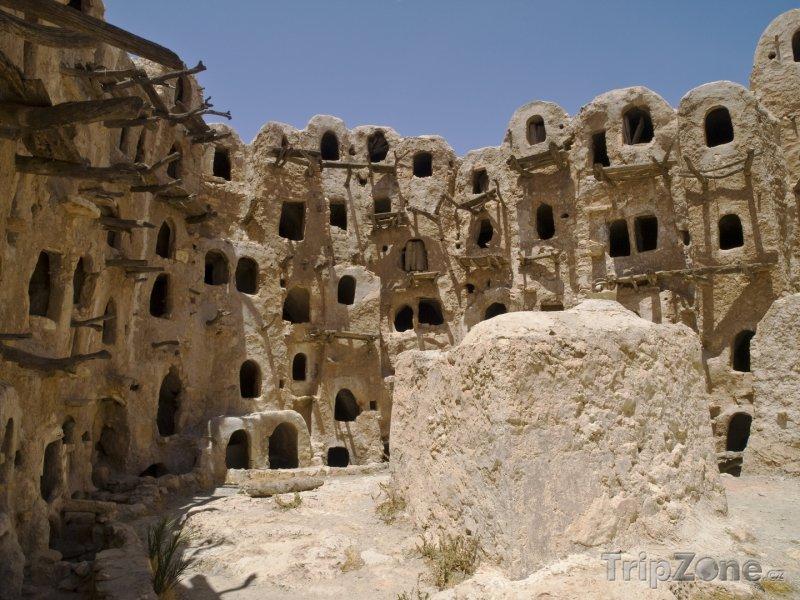 Fotka, Foto Sýpky ve městě Yafran (Libye)