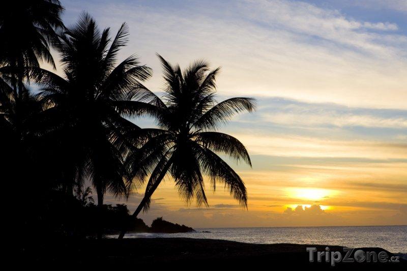 Fotka, Foto Tobago, západ slunce nad Turtle Beach (Trinidad a Tobago)