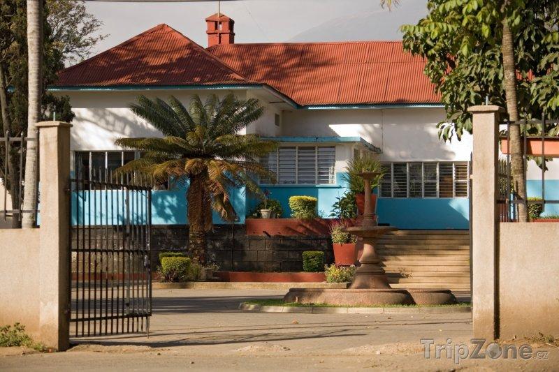 Fotka, Foto Tradiční dům ve městě Arusha (Tanzanie)