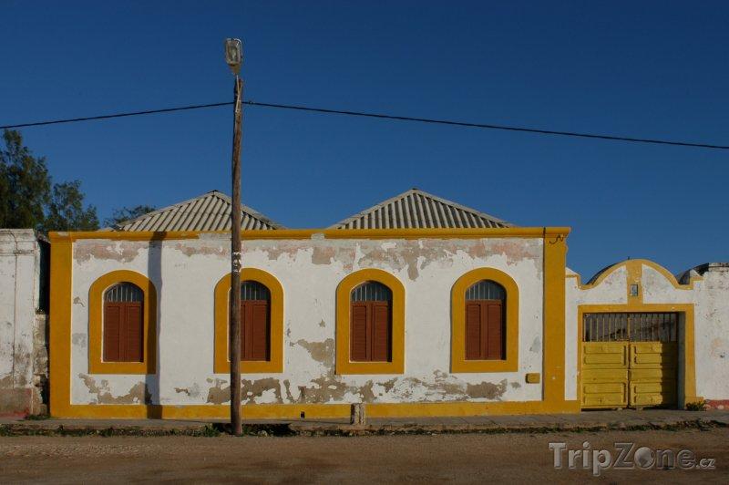 Fotka, Foto Typický dům v Mosambiku (Mosambik)
