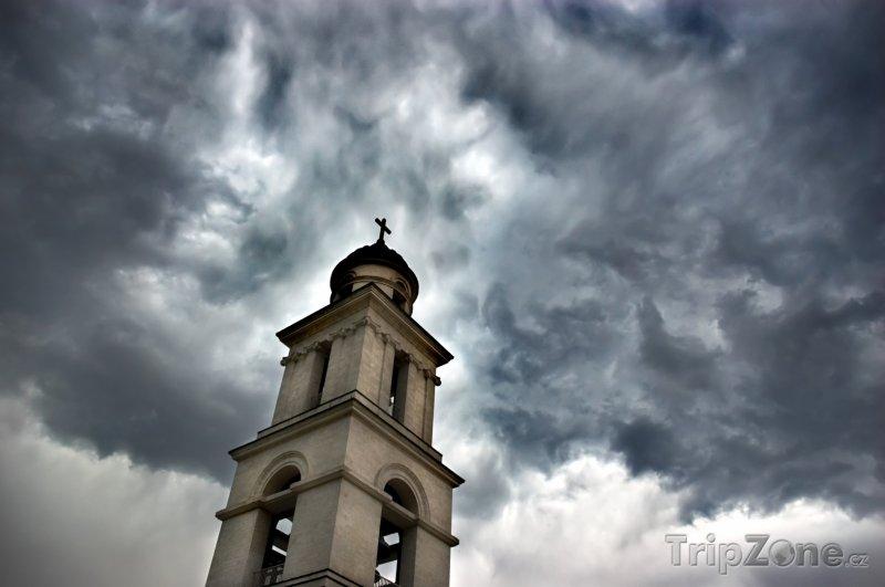 Fotka, Foto Věž kostela v Kišiněvu (Moldavsko)