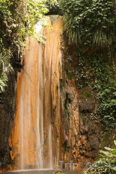 Fotka, Foto Vodopád v džungli (Svatá Lucie)