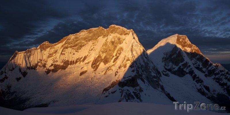 Fotka, Foto Vrchoek hory Huascaran v pohoří Cordillera Blanca (Peru)