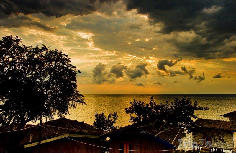 Fotka, Foto Západ slunce nad jezerem Malawi (Malawi)