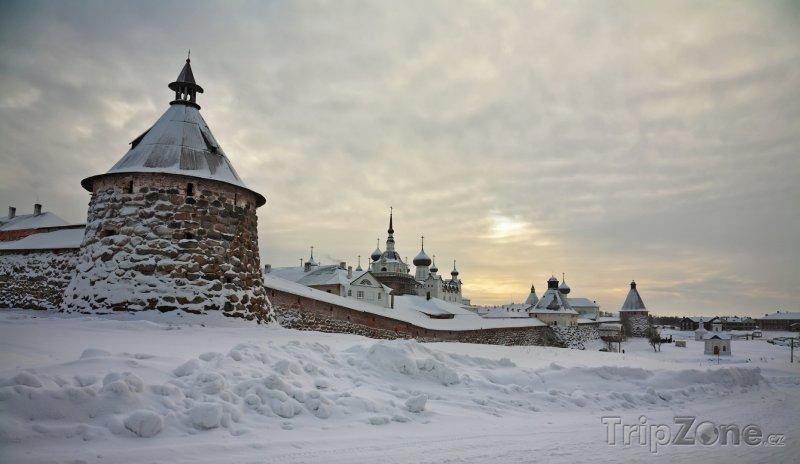 Fotka, Foto Zasněžený klášter Solovetsky (Rusko)