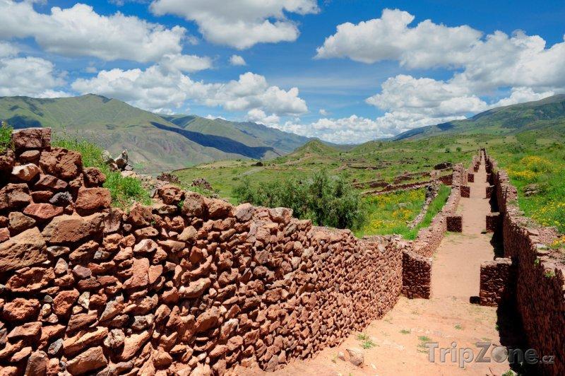 Fotka, Foto Zeď ve Svatém údolí (Peru)