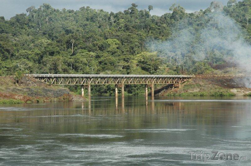 Fotka, Foto Železniční most u města Brokopondo (Surinam)