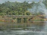 Železniční most u města Brokopondo