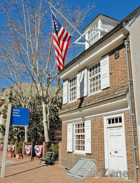 Fotka, Foto Betsy Ross House, dům, kde byla vyrobena první vlajka USA (Filadelfie, USA)