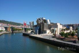 Bilbao, řeka Nervión a Guggenheimovo muzeum