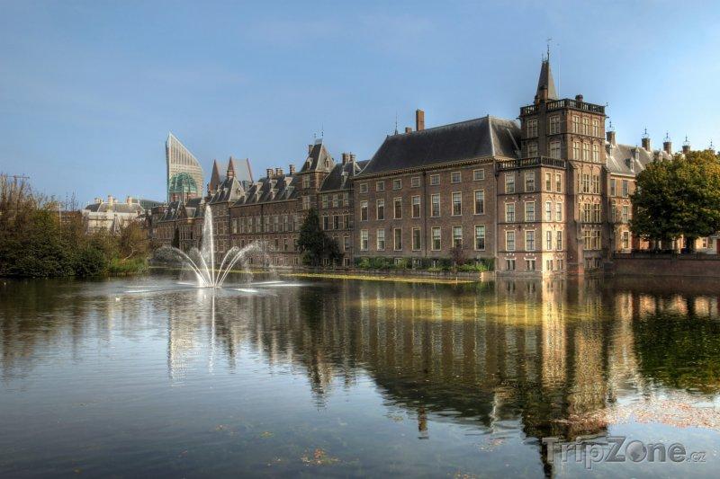 Fotka, Foto Binnenhof, sídlo parlamentu v Haagu (Nizozemsko)