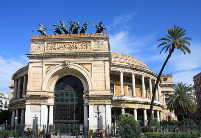 Fotka, Foto Divadlo Teatro Politeama (Palermo, Itálie)