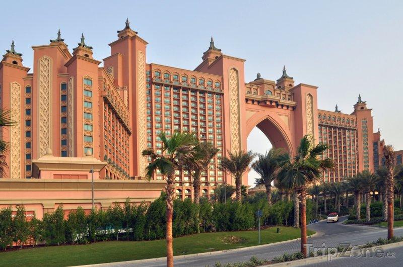Fotka, Foto Hotel Atlantis na poloostrově Palm Jumeirah (Dubaj, Spojené arabské emiráty)