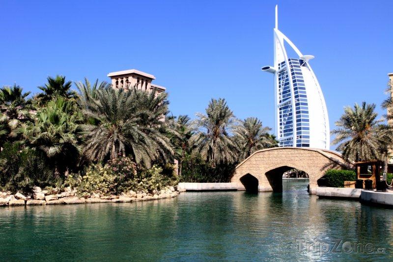 Fotka, Foto Hotel Burdž al-Arab (Dubaj, Spojené arabské emiráty)