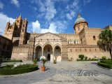 Katedrála na Piazza Cattedrale
