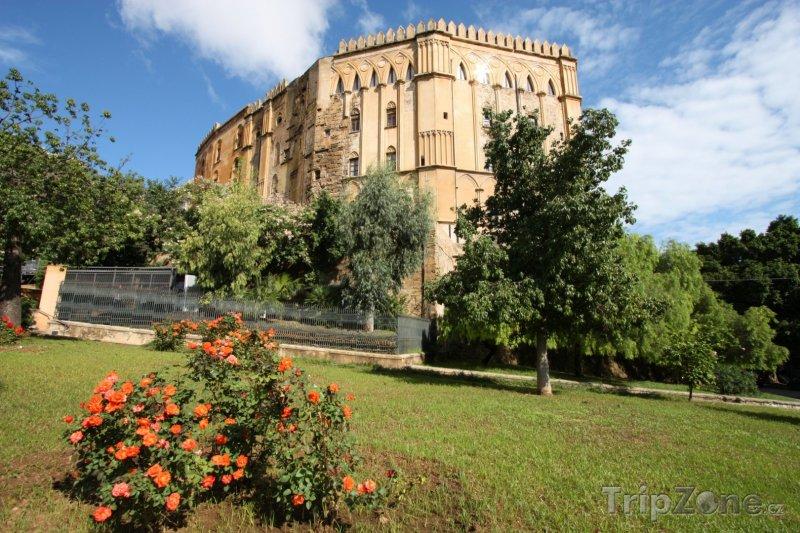 Fotka, Foto Královský palác Palazzo dei Normanni (Palermo, Itálie)