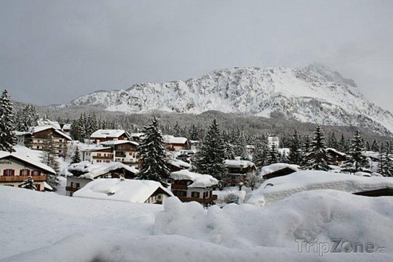 Fotka, Foto Lyžařské městečko Cortina d'Ampezzo