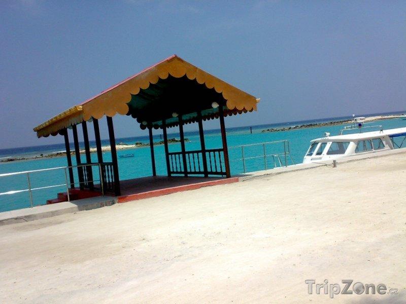 Fotka, Foto Manadhoo, přístav