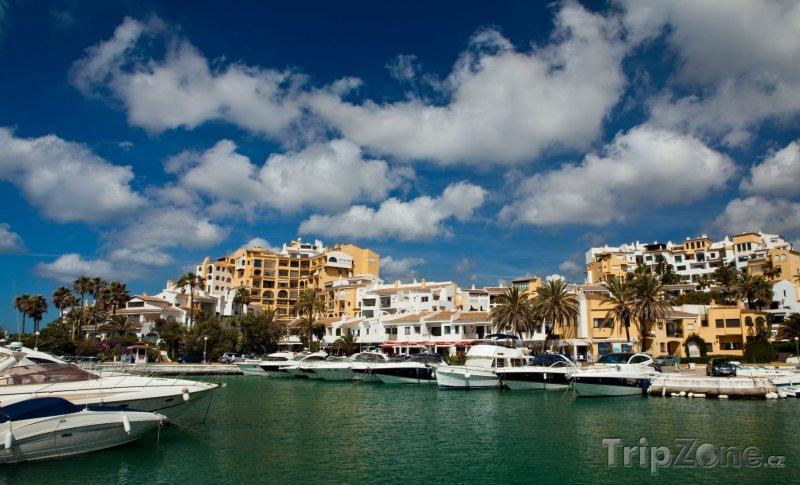 Fotka, Foto Marbella, jachty v přístavu Puerto Banús (Španělsko)