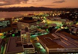 Město Suva v noci