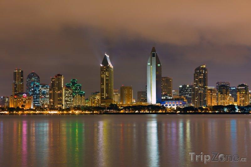 Fotka, Foto Město v noci (San Diego, USA)
