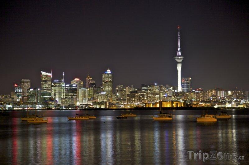 Fotka, Foto Město v noci (Auckland, Nový Zéland)