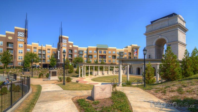 Fotka, Foto Millennium Gate v Midtownu (Atlanta, USA)