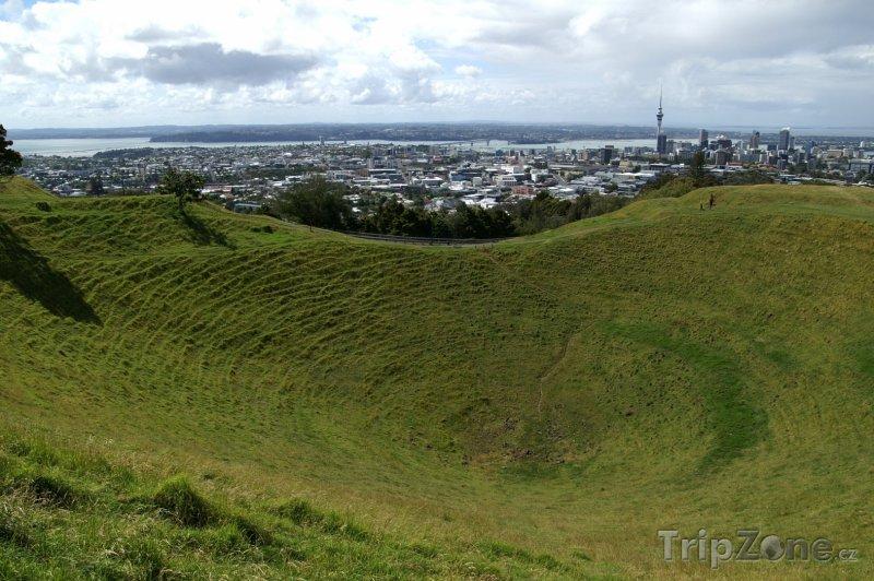 Fotka, Foto Mount Eden, vulkanický kráter (Auckland, Nový Zéland)