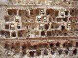 Niš, lebky srbských bojovníků na věži